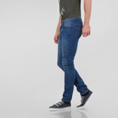 Jeans slim deslavados